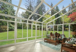 What is the Difference Between a Sunroom & Solarium?