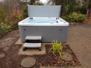 How Long Do Hot Tubs Last?